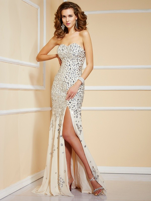 Sweetheart Brush Train Champagne Prom Dresses with Beading