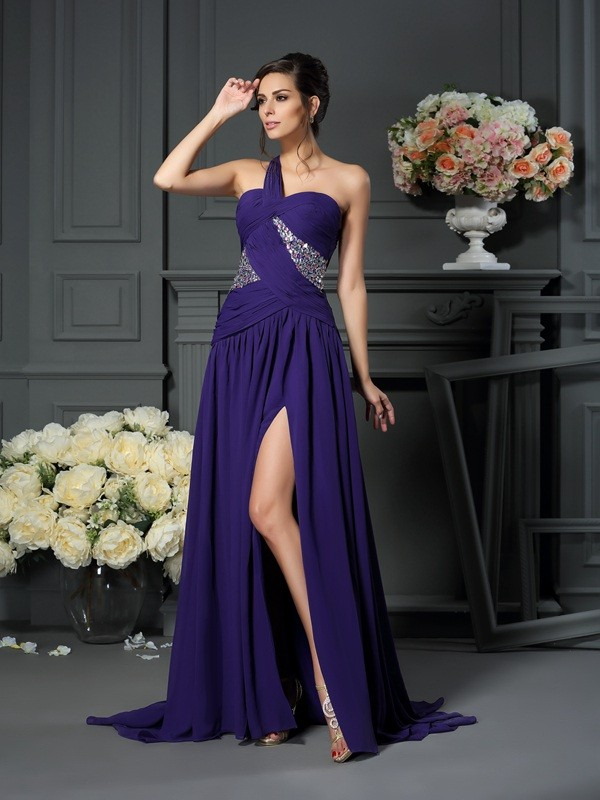 Brush Train Grape One-Shoulder Prom Dresses with Beading