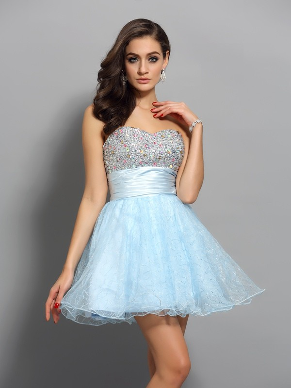 Sweetheart Short/Mini Light Sky Blue Homecoming Dresses with Beading