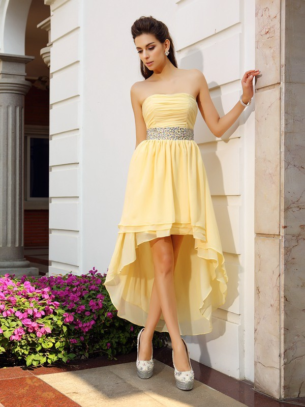 Asymmetrical Yellow Strapless Homecoming Dresses with Beading