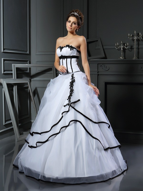 Sweetheart Floor-Length White Wedding Dresses with Applique