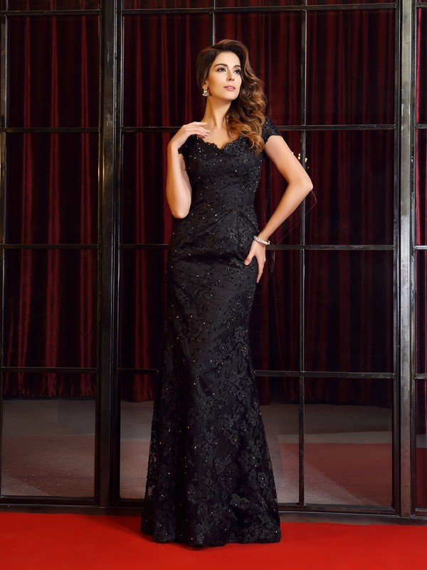 Mermaid Lace Short Sleeves V-neck Floor-Length Black Prom Dresses