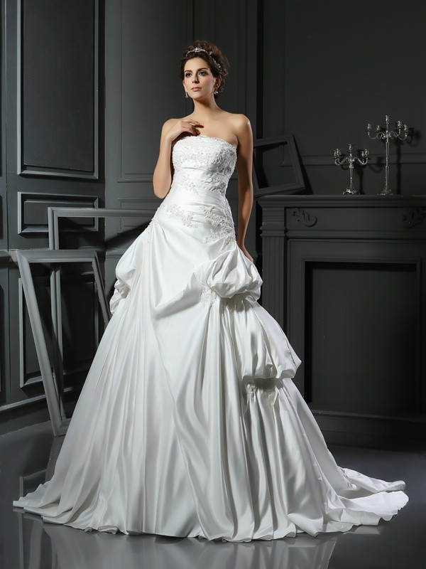 Ball Gown Strapless Chapel Train Ivory Wedding Dresses