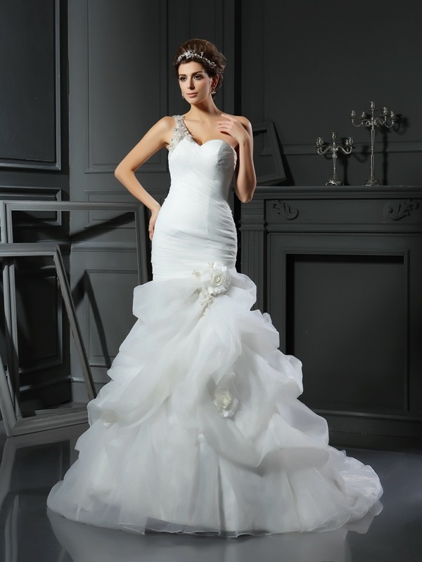 Mermaid Sweetheart Chapel Train Ivory Wedding Dresses with Ruffles