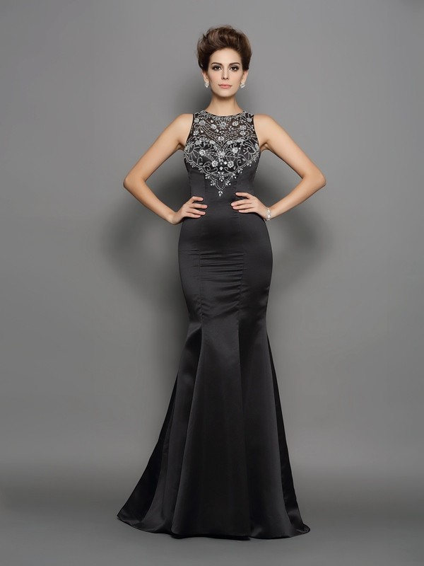 Brush Train Black Scoop Prom Dresses with Beading