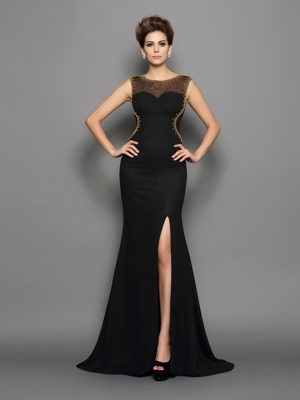 Scoop Brush Train Black Prom Dresses with Beading