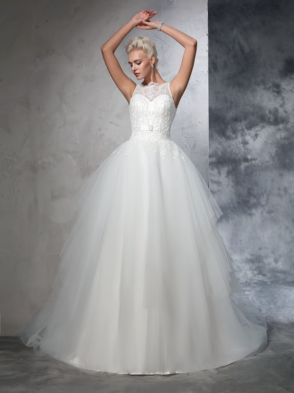 Bateau Chapel Train Ivory Wedding Dresses with Applique