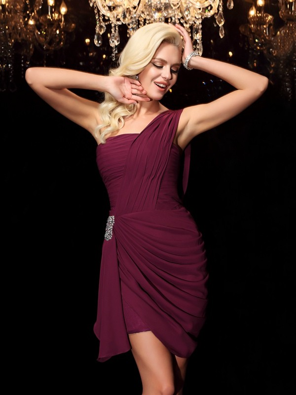 Chiffon Sheath Short/Mini One-Shoulder Burgundy Homecoming Dresses