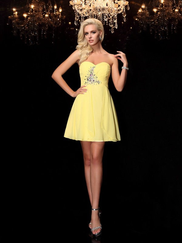 Chiffon Sweetheart Short/Mini Yellow Homecoming Dresses