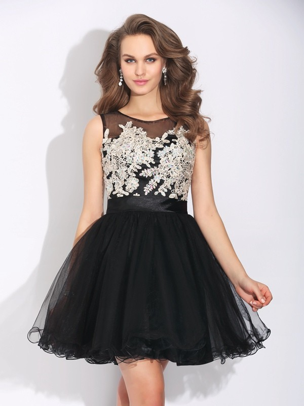 Black A-Line Scoop Short/Mini Homecoming Dresses with Ruffles