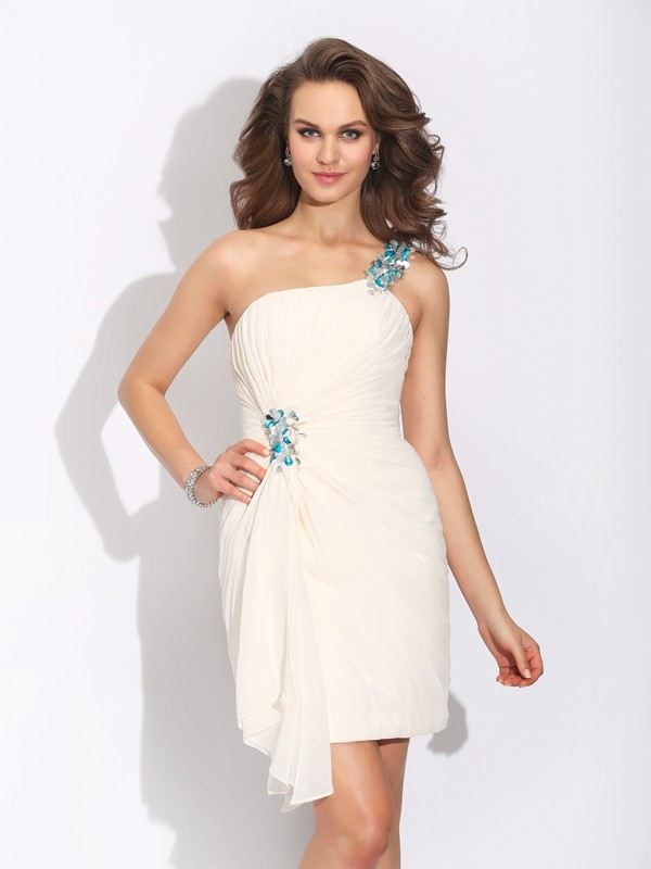Ivory Sheath One-Shoulder Short/Mini Homecoming Dresses with Beading
