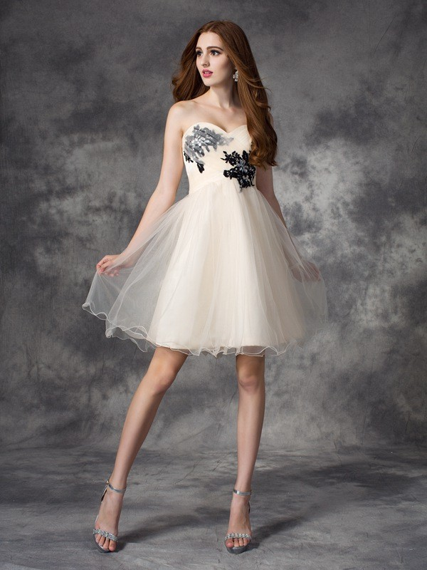 A-Line Net Sweetheart Short/Mini Champagne Homecoming Dresses
