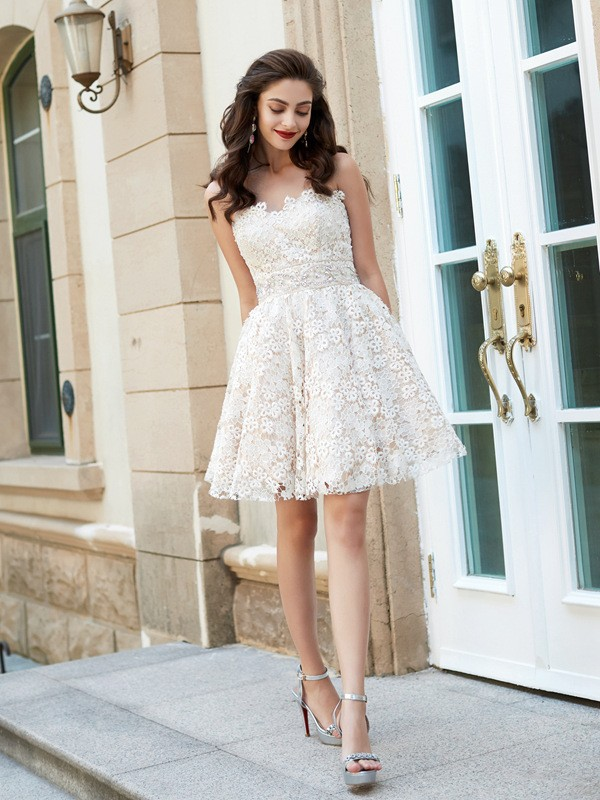 Ivory Sweetheart Lace Short/Mini Homecoming Dresses