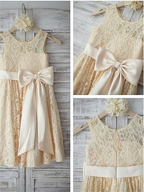 A-Line Lace Scoop Knee-Length Flower Girl Dresses with Bowknot
