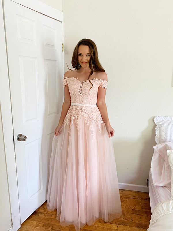 A-Line/Princess Tulle Off-the-Shoulder Floor-Length Applique Sleeveless Dresses