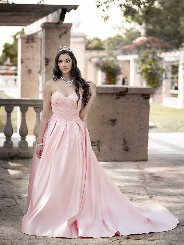 Ball Gown Sweetheart Lace Satin Sleeveless Court Train Dresses