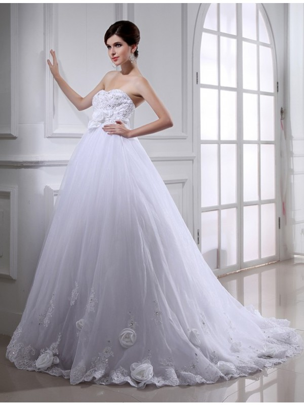 Chapel Train White Strapless Wedding Dresses with Beading