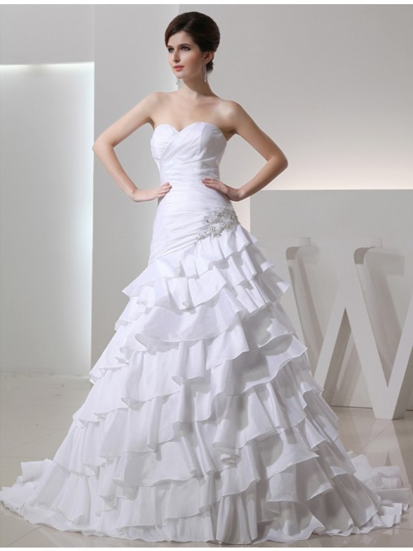 Sweetheart Chapel Train White Wedding Dresses with Beading