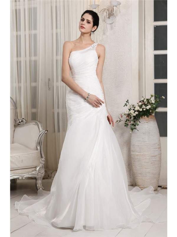 Mermaid One-Shoulder Chapel Train White Wedding Dresses with Beading