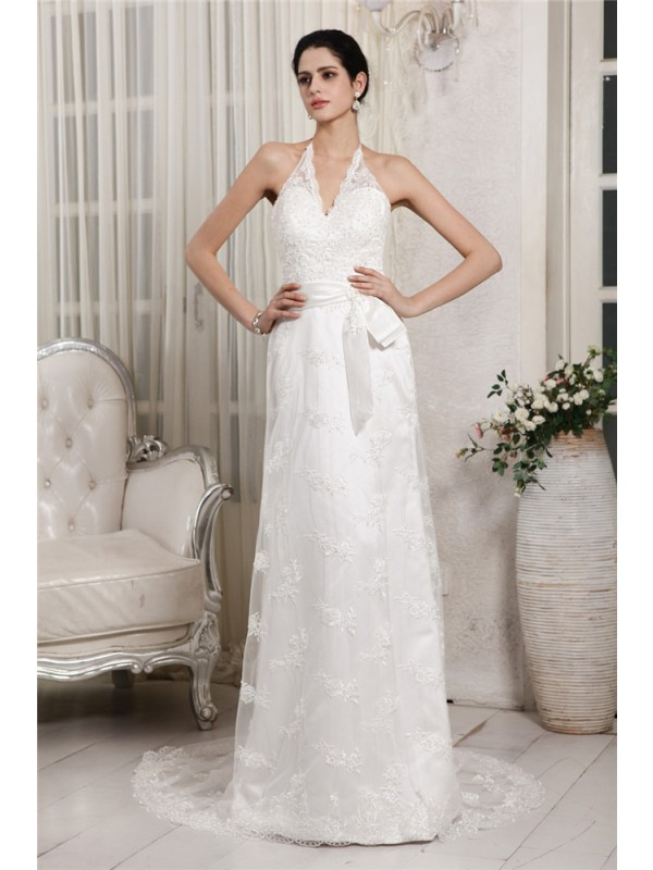 Sheath Lace V-neck Brush Train Wedding Dresses with Applique