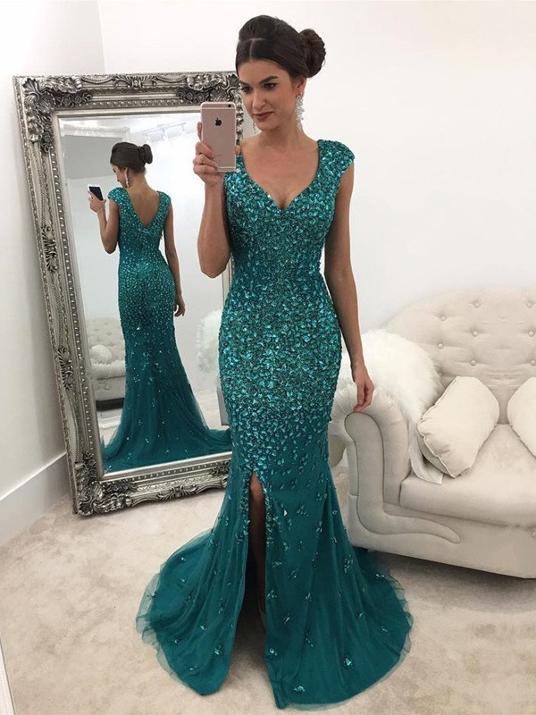 Dark Green V-neck Tulle Brush Train Prom Dresses