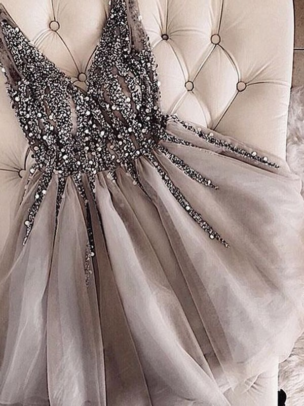 Short V-neck A-Line Tulle Grey Homecoming Dresses