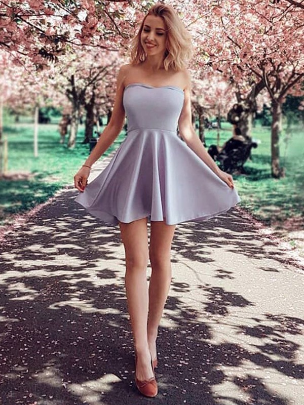 Short Strapless A-Line Satin Lilac Homecoming Dresses