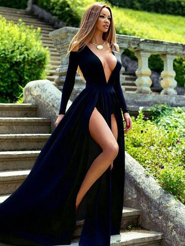 A-Line Dark Navy Brush Train V-neck Velvet Prom Dresses