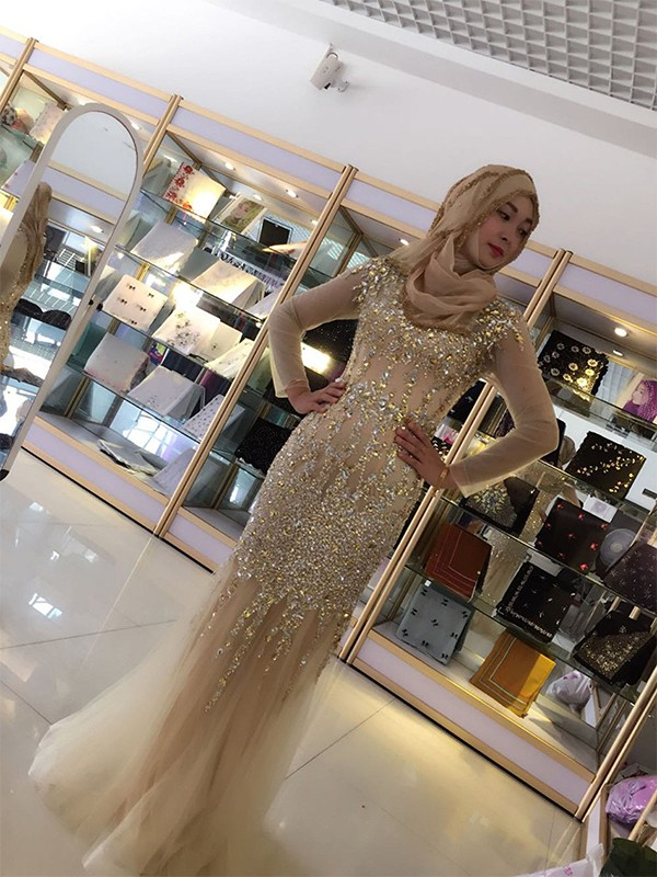 Sheath Long Sleeves Floor-Length Champagne Tulle Muslim Prom Dresses