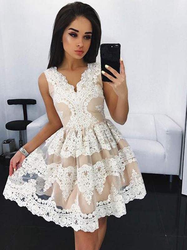 Tulle A-Line Short/Mini V-neck Ivory Prom Dresses