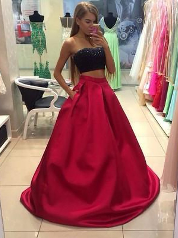 Tulle A-Line Floor-Length Strapless Red Prom Dresses