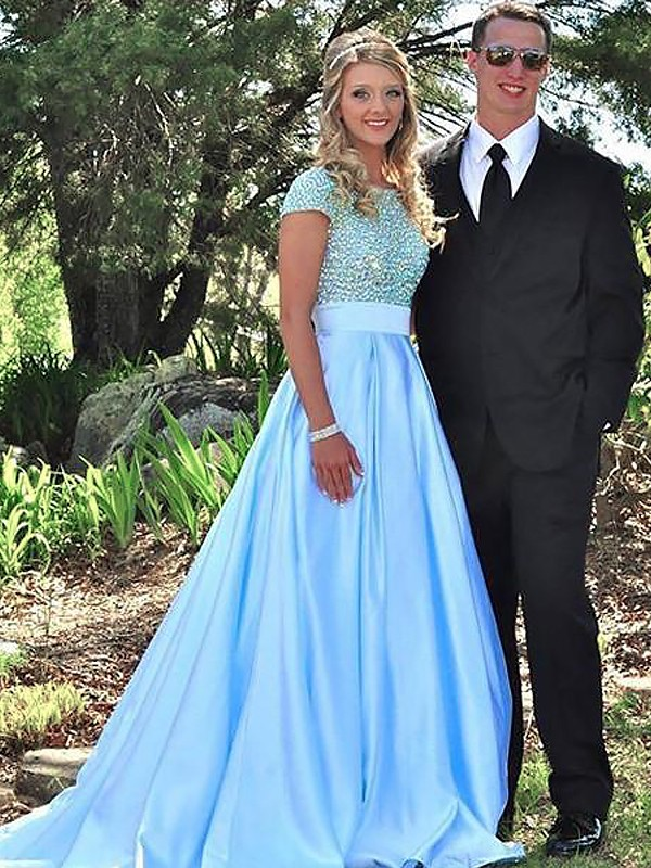 Short Sleeves A-Line Bateau Brush Train Light Sky Blue Prom Dresses