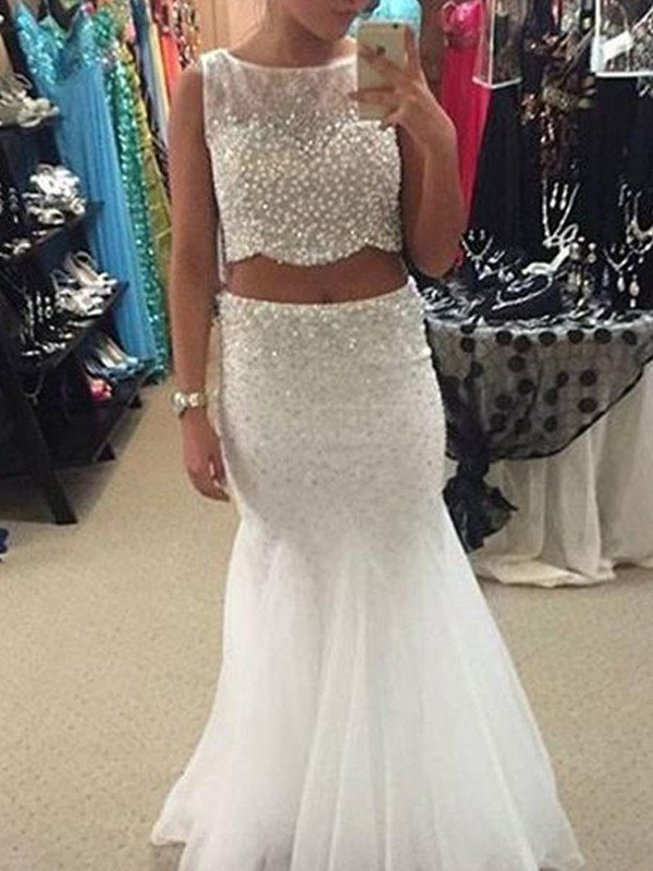 Floor-Length White Scoop Prom Dresses with Beading