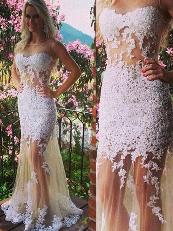 Floor-Length White Scoop Prom Dresses with Applique