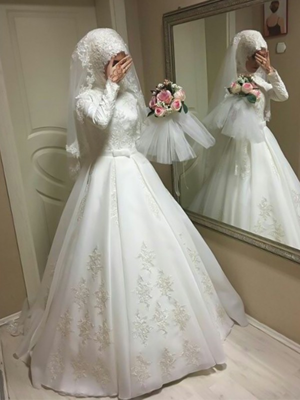 Ball Gown Jewel Long Sleeves Ivory Floor-Length Bowknot Tulle Wedding Dresses