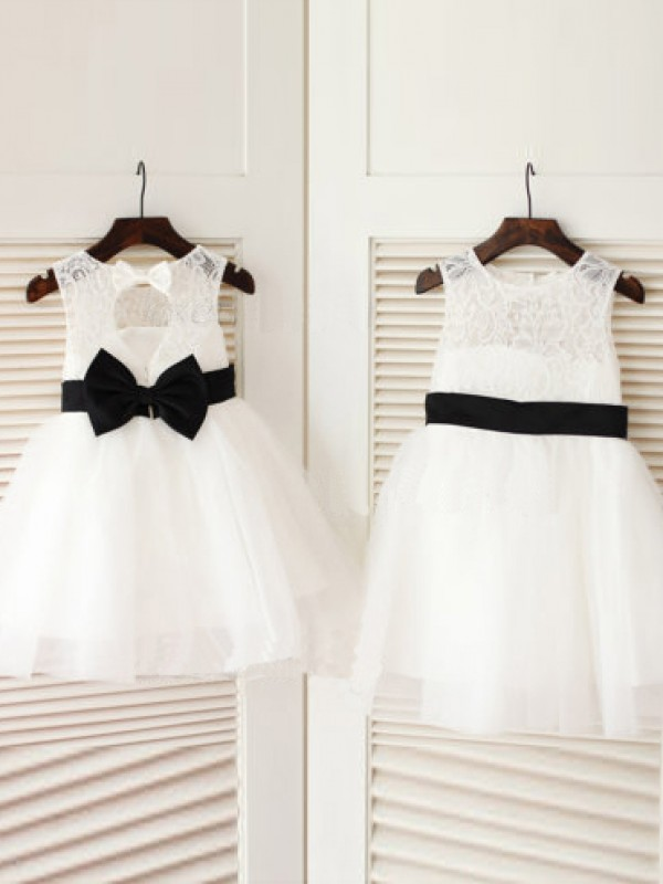 Tulle Scoop Knee-Length White Flower Girl Dresses