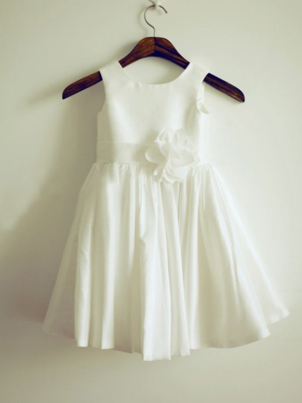 Long White Jewel Flower Girl Dresses with Hand-Made Flower