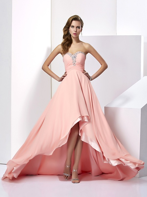 Brush Train Pink Sweetheart Prom Dresses with Beading