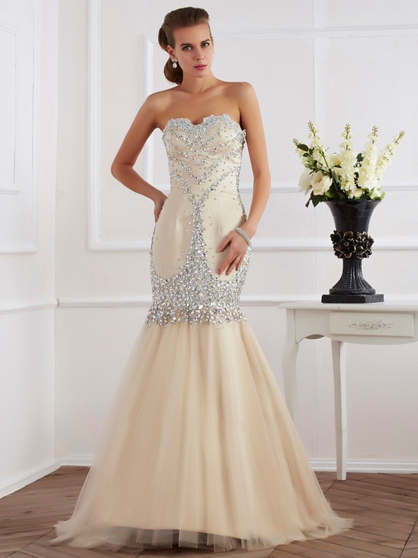 Champagne Sheath Sweetheart Brush Train Prom Dresses with Beading