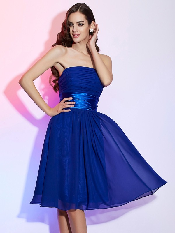 A-Line Chiffon Strapless Knee-Length Homecoming Dresses with Bowknot