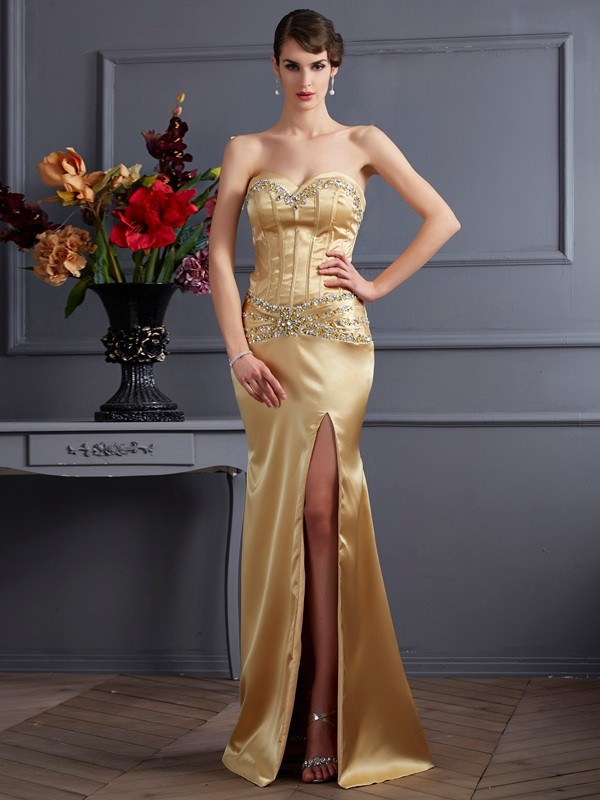 Brush Train Gold Sweetheart Prom Dresses with Beading
