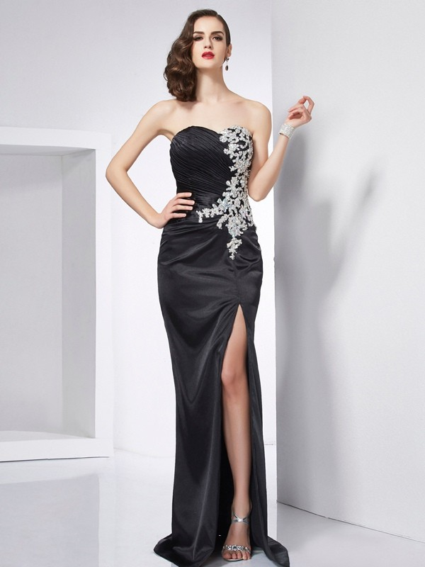 Brush Train Black Sweetheart Prom Dresses with Beading