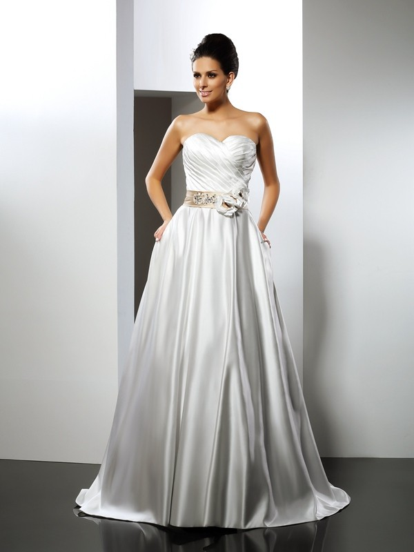 A-Line Sweetheart Court Train Ivory Wedding Dresses