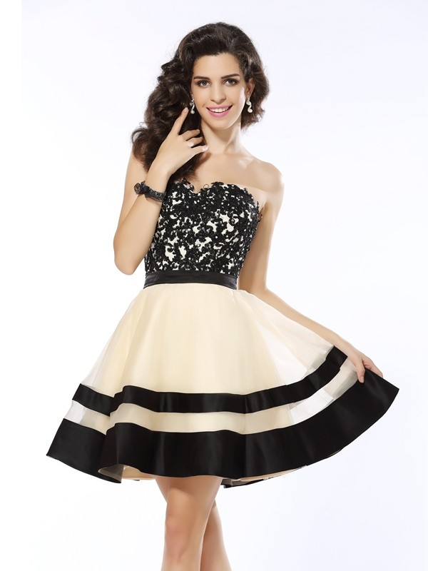 Organza Sweetheart Short/Mini Black Homecoming Dresses