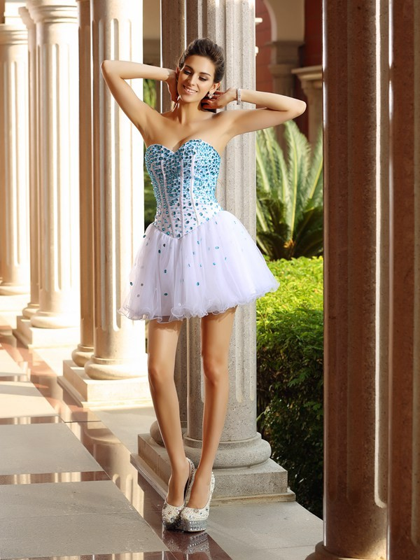 Sweetheart Short/Mini White Homecoming Dresses with Ruffles