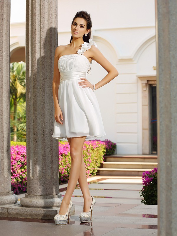 A-Line One-Shoulder Short/Mini Ivory Homecoming Dresses