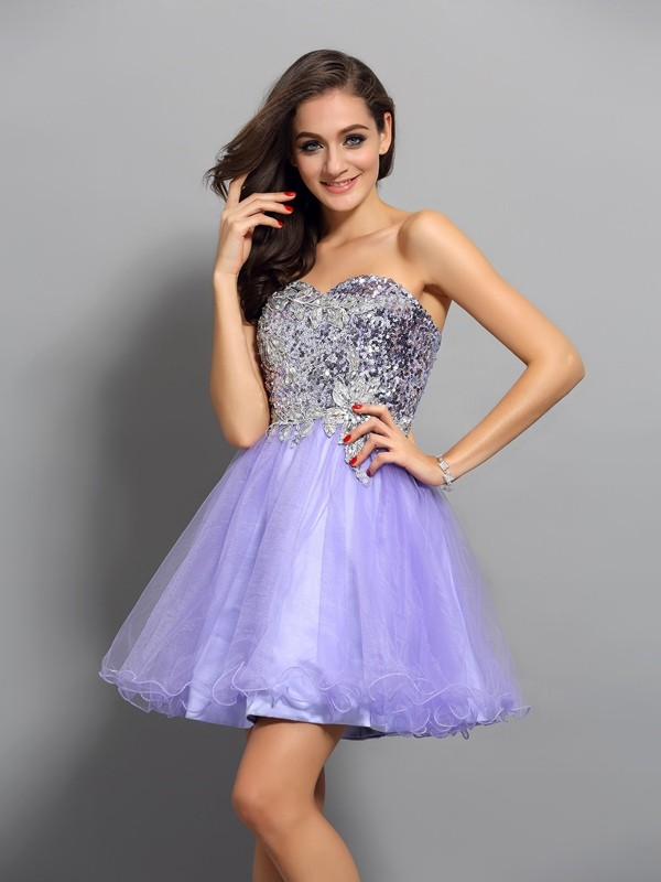Lavender Sweetheart Short/Mini Homecoming Dresses with Beading