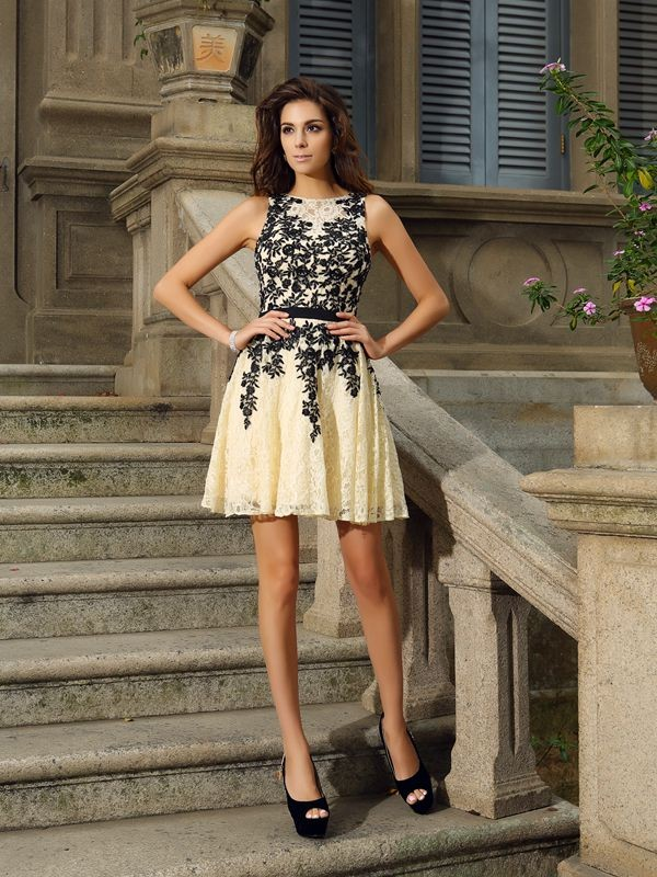 Scoop Short/Mini Champagne Homecoming Dresses with Applique