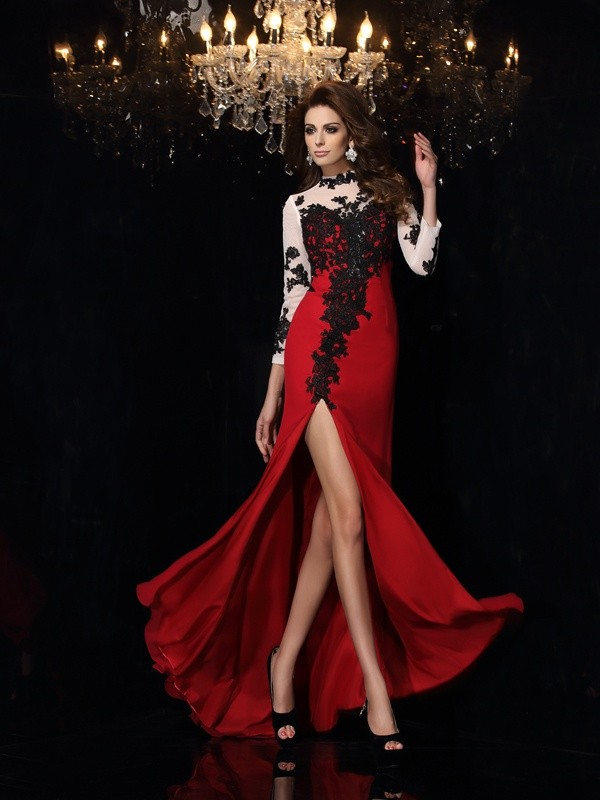 Brush Train Red High Neck Prom Dresses with Applique