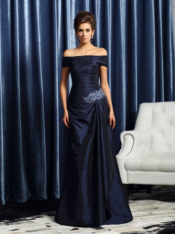 Mermaid Short Sleeves Off-the-Shoulder Brush Train Dark Navy Mother of the Bride Dresses